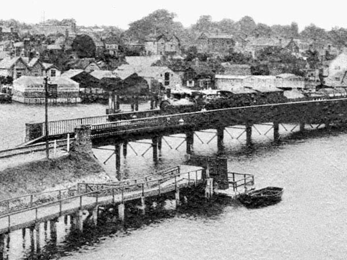 1910s Steam Train