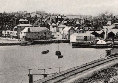 1905 Quay from Railway
