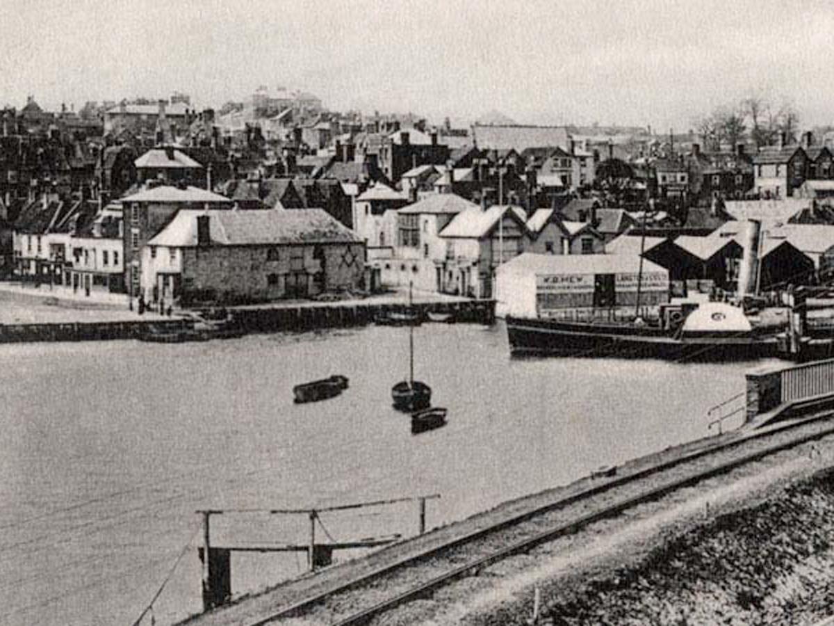 1905 Quay from Railway