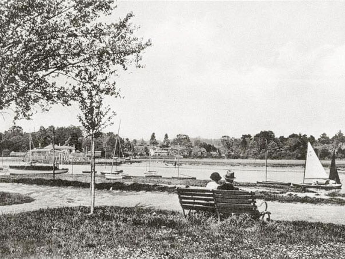 1930 Riverbank